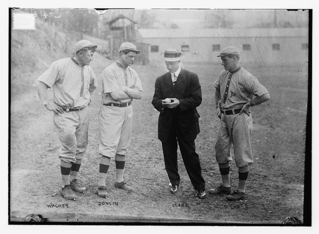[Honus Wagner, Mike Donlin, manager Fred Clarke, Marty O'Toole, Pittsburgh NL (baseball)]
