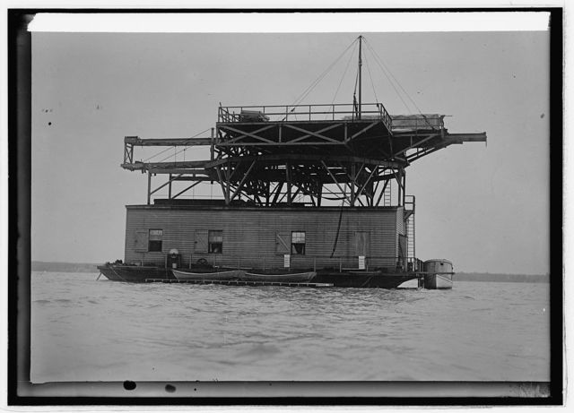 Langley house boat on the Potomac showing the launching machinery