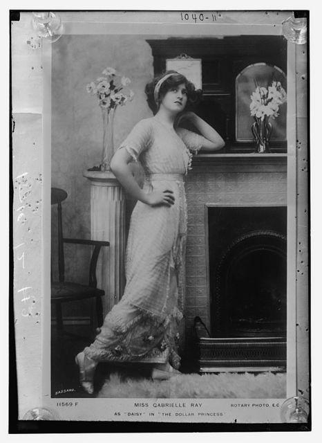 """Miss Gabrielle Ray as """"Daisy"""" in the """"The Dollar Princess"""", Bassano Photo., (Rotary) / Bassano Photo. (Rotary)"""