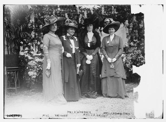 Mrs. Vaughn, Mrs. H.W. Warner, Mrs. J.A. Wright, and Mrs. J. Howard Ford, Hope Farm Fair