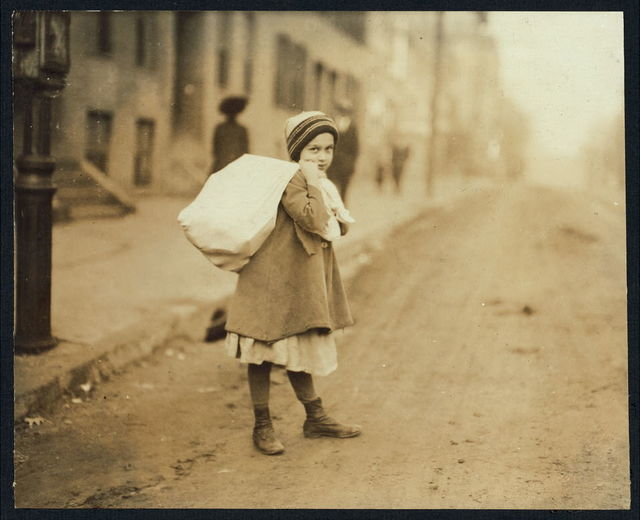 Nearly 9 A.M. Girl (about 8 yrs. old) carrying sack of hose supporters home, a long distance and she had to run to get home in time for school. Up hill and tiring work, resting frequently. (See also Report.) Witness F.A. Smith.  Location: Worcester, Massachusetts.