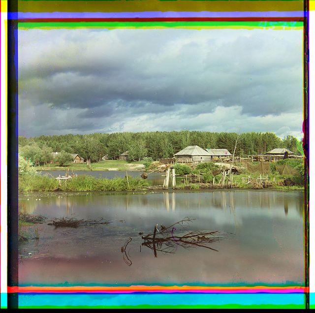 Obukhovskii︠a︡ mineralʹnyi︠a︡ vody (si︠e︡rnyi︠a︡ i zheli︠e︡znyi︠a︡) v 7-mi verstakh ot Kamyshlova