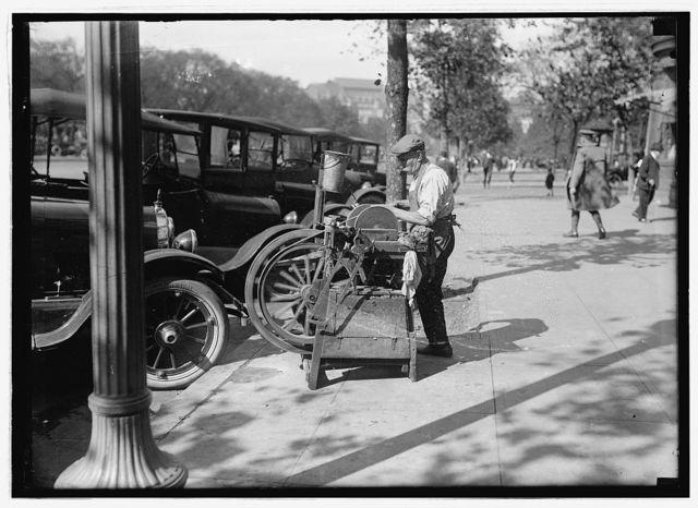 Street knife grinder, Wash. D.C.