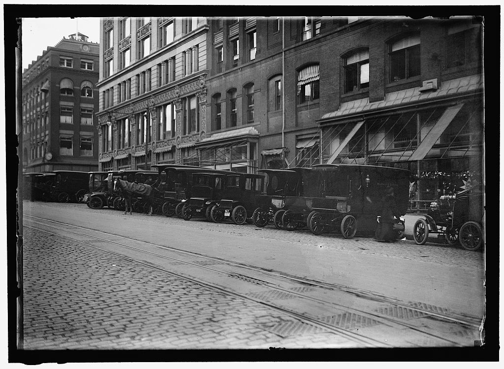 [WOODWARD & LOTHROP'S DEPARTMENT STORE, WASHINGTON, D.C. TRUCKS]