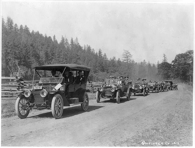 [Autos en route to Oregon - 1913]