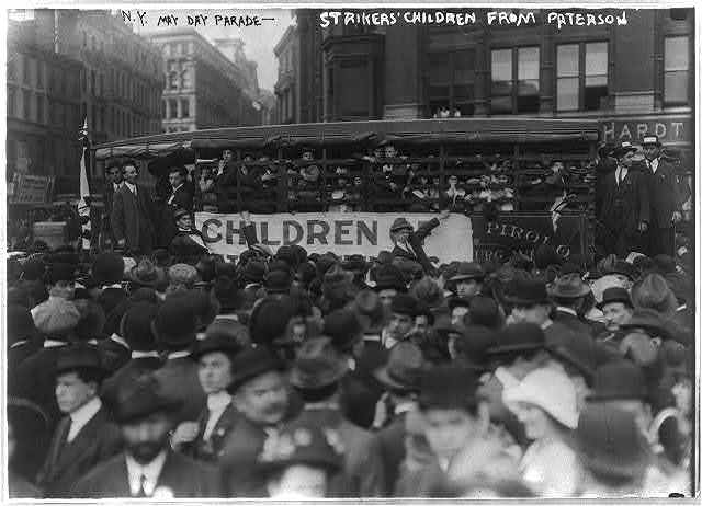 [Bus load of children of Paterson, N.J., strikers (silk workers) in May Day parade - New York City]