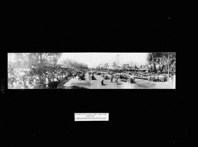 Corona Speedway, start of the medium & heavyweight auto race