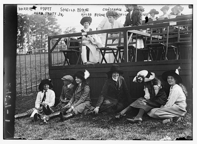 Harriet Pratt, Sheila Byrne, Constance Jennings, Herb Pratt Jr., Hilda Byrne, Eunice Jennings