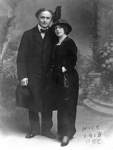 [Harry and Beatrice Houdini in Nice, France, full-length portrait, standing, facing front]