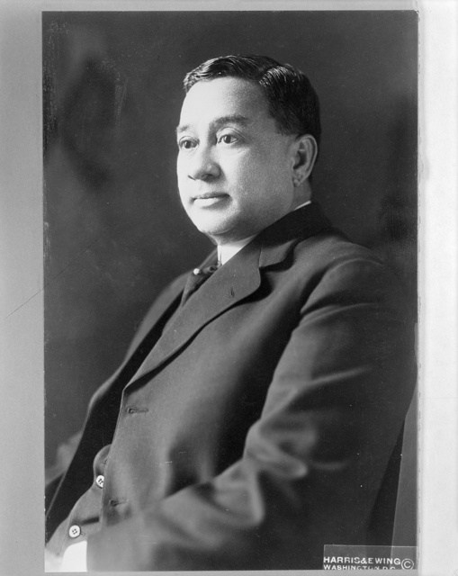 [Manuel Earnshaw, Resident Commissioner to the United States from the Philippine Islands] / Harris & Ewing, Washington, D.C.