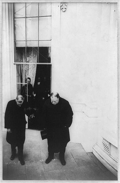 President Wilson and ex-President Taft bowing to the will of the people