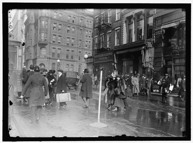 [Street scene near G Street, Washington, D.C.]