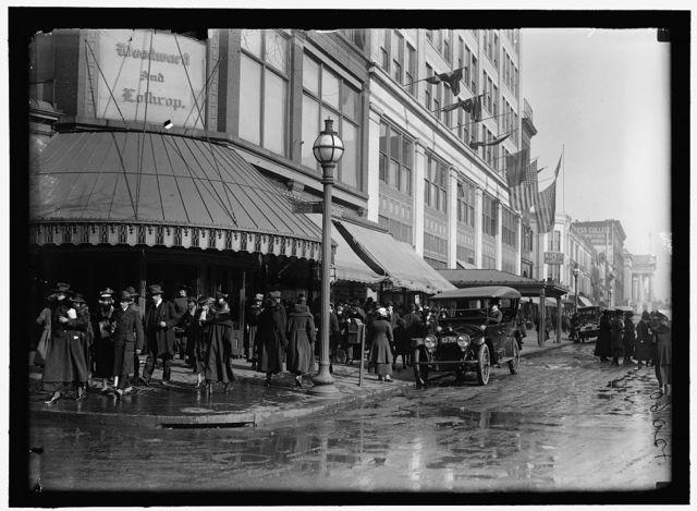 [Street scene, Woodward & Lothrop, 11th and F Streets, NW, Washington, D.C.]