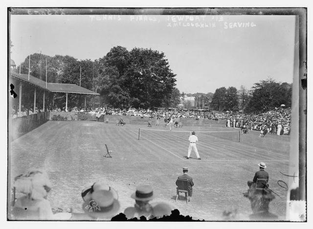 Tennis finals - Newport, '13, McLoughlin serving