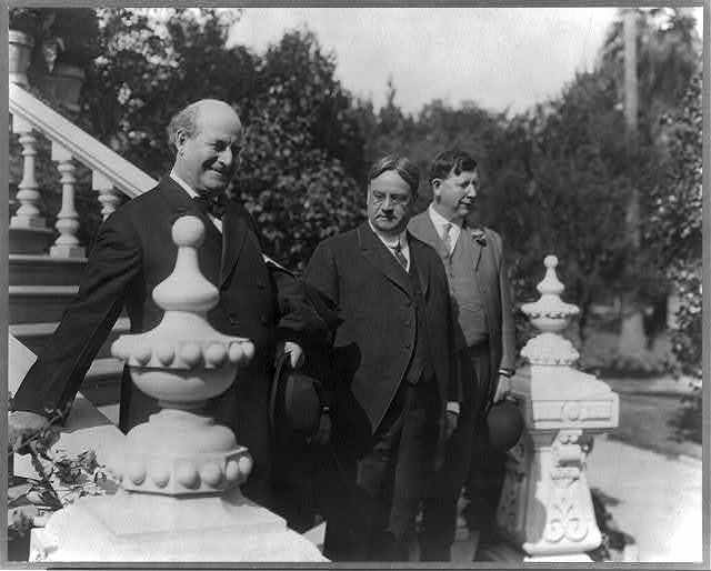[William Jennings Bryan, Gov. Hiram Johnson, and Robert F. Rae on steps outside Governor's Mansion, Sacramento, Calif.]