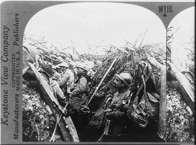 A French departure trench just before zero hour