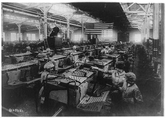 Artillery vehicles - Camouflaging Dept., American Car & Foundry Company, Detroit, Michigan