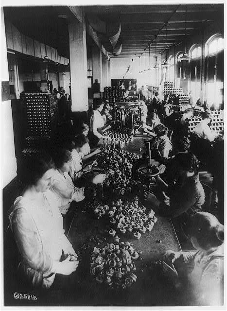 Assembling fuses--Frankford Arsenal, Frankford, Pa.