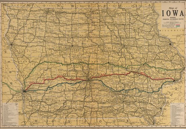 Atlas and plat book of Poweshiek County, Iowa : containing outline map of the county, plats of all the townships with owners' names, plats of all towns in the county, also state auto map, United States parcel post map, etc. : compiled from latest data on record.
