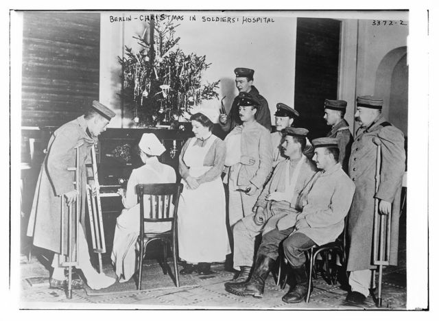 Berlin -- Christmas in soldier's hospital