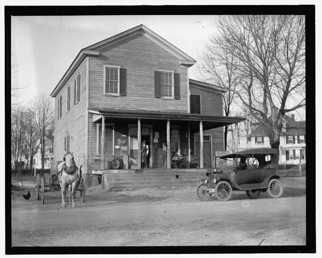Country Store (Dawsonville), Ford car in front of store, probably H.E. French's c.1914