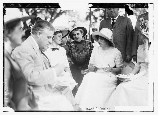 [Eleanor Wilson, daughter of Woodrow Wilson, with her sister Jessie and others]