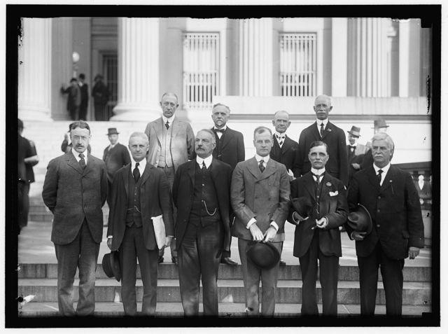 FEDERAL RESERVE SYSTEM. CHAIRMEN OF FEDERAL RESERVE DISTRICTS. FRONT ROW: FREDERICK H. CURTISS, BOSTON, DIST 1; PIERRE JAY, NEW YORK CITY, DIST. 2; RICHARD L. AUSTIN, PHILADELPHIA, DIST. 3; D.C. WILLS, BELLEVUE, PA, DIST. 4; WILLIAM INGLE, BALTIMORE, DIST. 5; M.B. WILLBORN, ANNISTON, ALA., DIST. 6; BACK ROW: C.H. BOSWORTH, CHICAGO, DIST. 7; A.E. RAMSEY, MUSKOGEE, OKLA., DIST. 10; E.O. TENNISON, DALLAS, DIST. 11; JOHN PERRIN, SAN FRANCISCO, DIST. 12