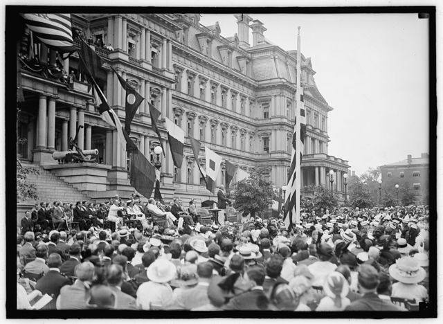 FLAG DAY. FLAG DAY EXERCISES, STATE, WAR AND NAVY BUILDING. WILSON SPEAKING; BRYAN, DANIELS, WILLIAM PHILLIPS, F.D. ROOSEVELT, ETC. PRESENT