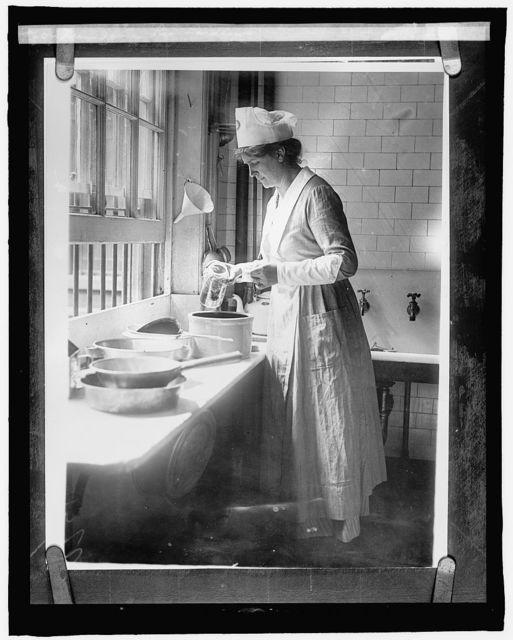 Food Adm., World War I: Mrs. James Lee Laidlow