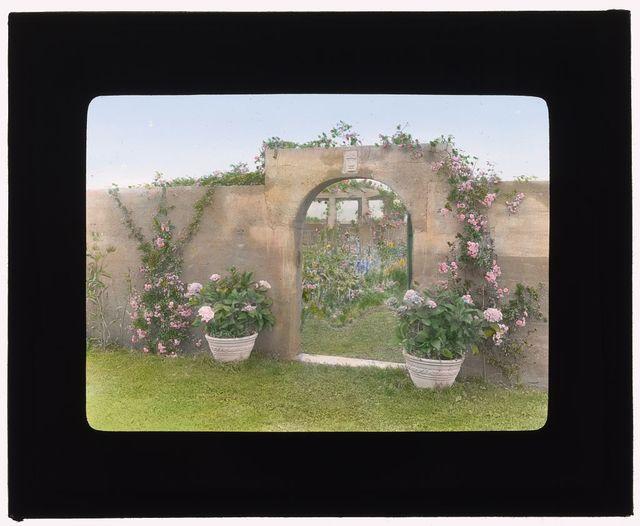 "[""Gray Gardens,"" Robert Carmer Hill house, Lily Pond Lane, East Hampton, New York. Northeast gate to garden]"