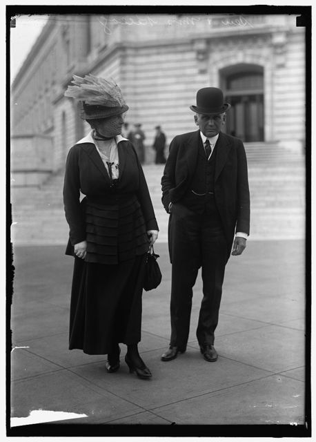 KELLOGG, FRANK BILLINGS, SENATOR. WITH MRS. KELLOGG