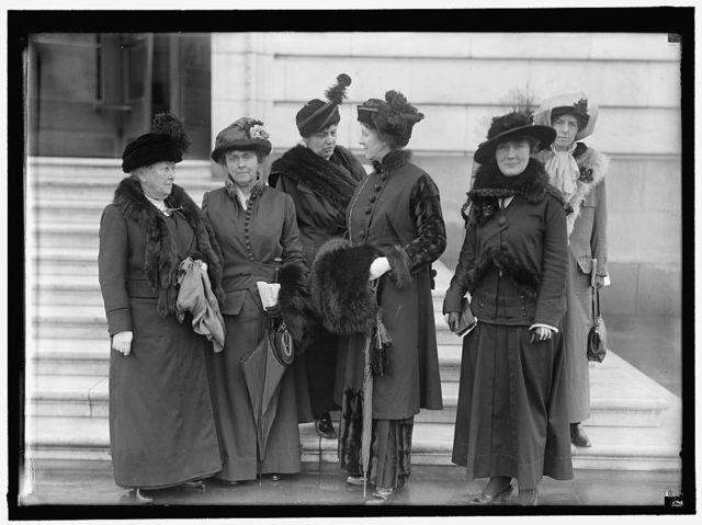 KENT, MRS. WILLIAM. WIFE OF REP. FROM CALIFORNIA. WOMAN SUFFRAGETTE