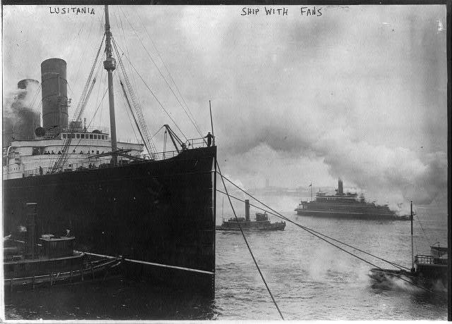 [LUSITANIA, 1907-1914, New York City: view of bow with tugs, 6 March 1914]
