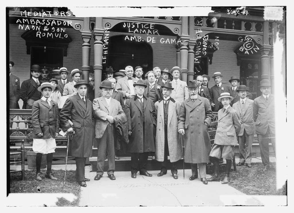 Mediators at Niagara Falls -- Ambassador Naon & son Romulo, Justice Lamar, Amb. De i.e., da Gama, Lehmann, Minister Suarez & son