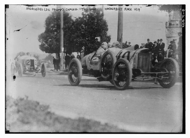 Mercedes (De Palma) coming through Vanderbilt Race