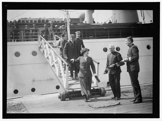 NAVY YARD, U.S., WASHINGTON. CAPT. HILARY P. JONES AND COMDR. TAYLOR GREETING ARRIVALS