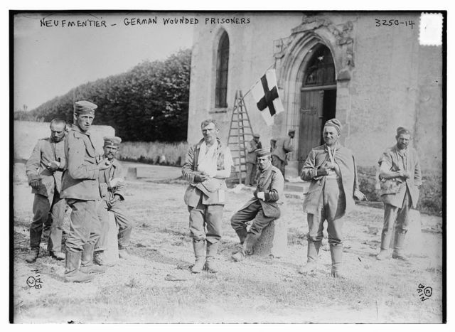 Neufmentier [i.e., Chauconin-Neufmontiers] -- German wounded prisoners