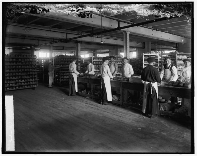 Shipping and wrapping room, Gordon Pagel Baking Co.