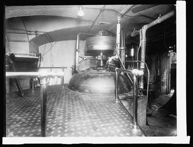 Treasury Dept. Ofc. Comptroller of Currency, Macerator for destroying old and mutilated national bank notes after redemption. 1,500,000 destroyed daily. Since the organization of the National Banking System in 1862 over six billion dollars of National Bank notes have been destroyed by this machine, [1914]