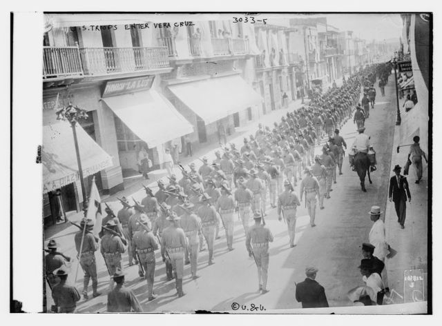 U.S. troops enter Vera Cruz