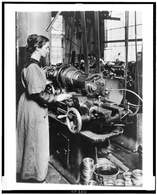 [Woman working at internal thread milling machine, Norton Grinding Co., Worcester, Ma., during World War I]