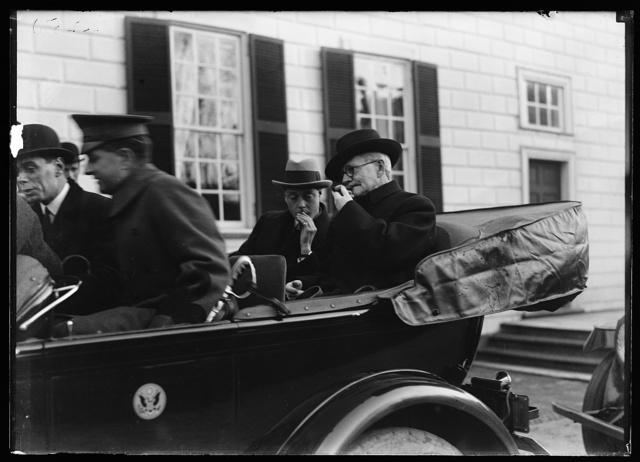 [Group in automobile at Mount Vernon; Thomas Marshall, right. Mount Vernon, Virginia]