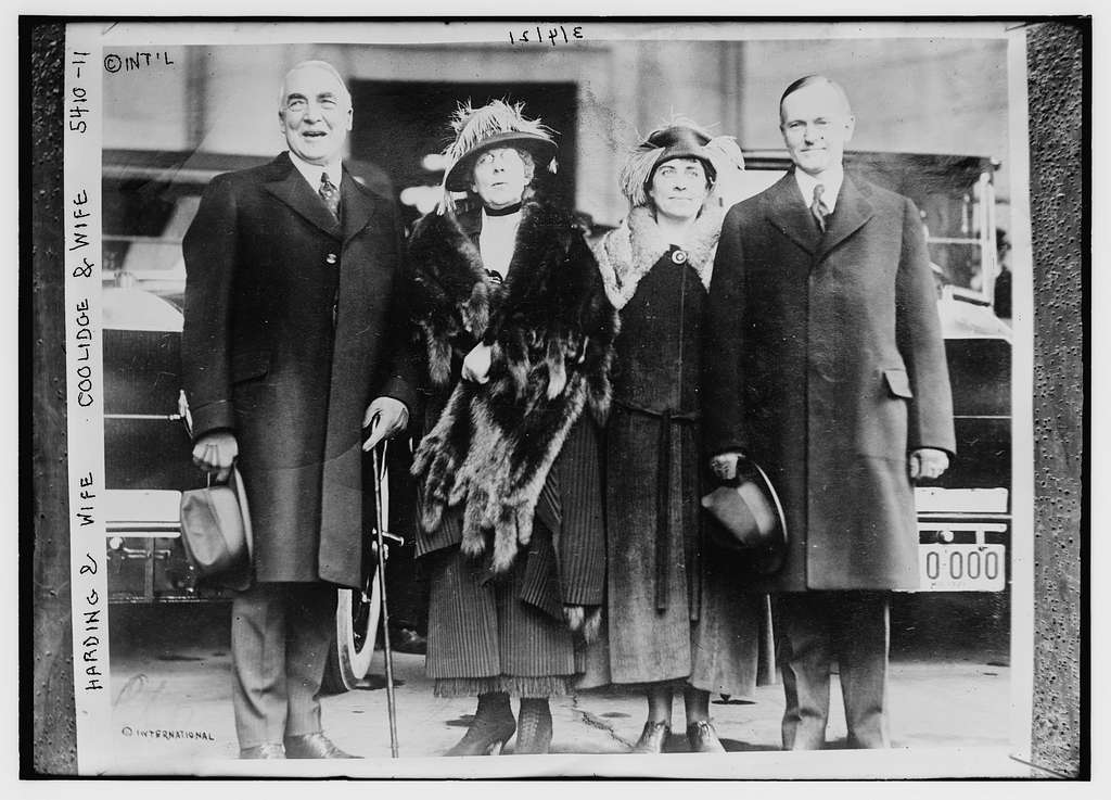 Harding & wife, Coolidge & wife