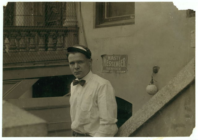 Hasty messenger #2. See night messenger report.  Location: Sacramento, California / Lewis W. Hine.