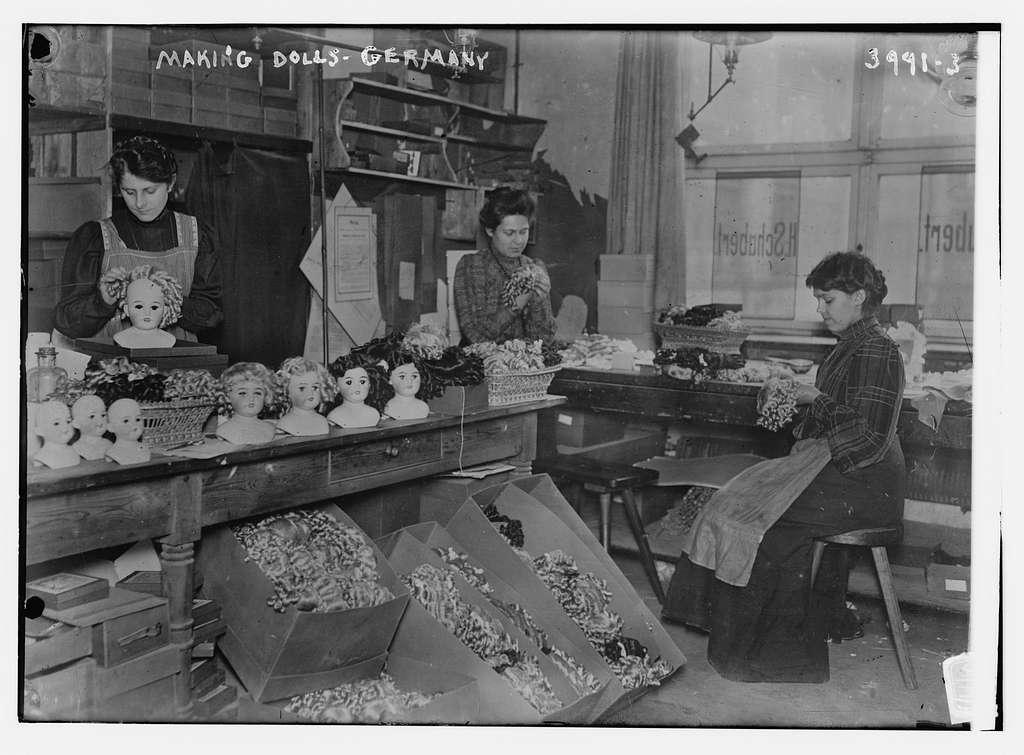 Making dolls, Germany