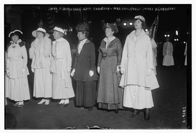 Mrs. T. Hitchcock, Lota Robinson, Mrs. Roosevelt & Miss Alexander