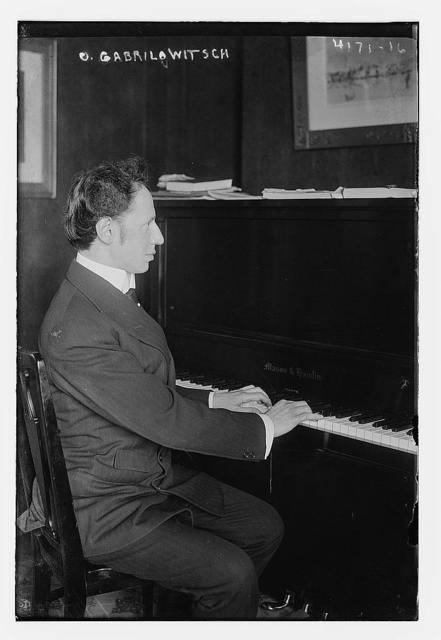 O. Gabrilowitsch [i.e. Gabrilowitsch] at piano
