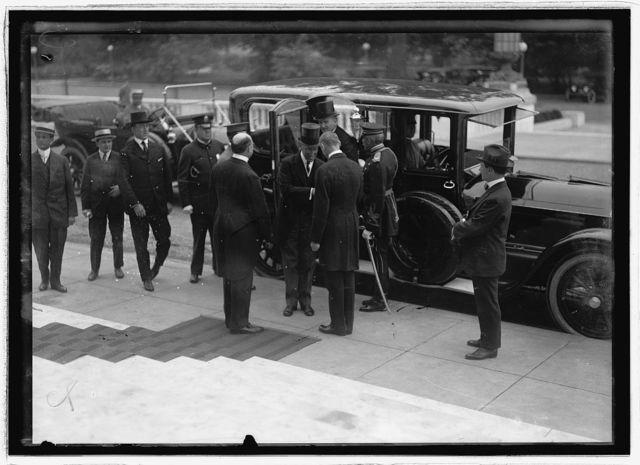 Pan Amer. Financial Conference? May 25, 1915 (Pres. wilson leaving car?)