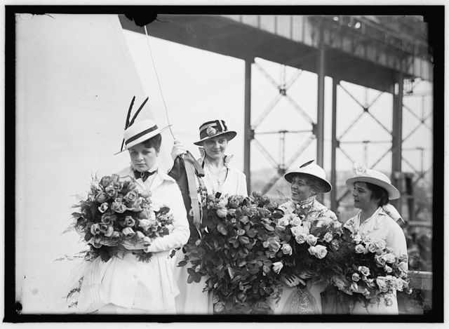 PENNSYLVANIA, U.S.S. LAUNCHING, NEWPORT NEWS, VA. MISS E. KOLB AT RIGHT AND MAIDS: MISS K. KOLB; MISS K. MARTIN; MISS HARROLD. DIFFERENT ORDER THAN IN 4988