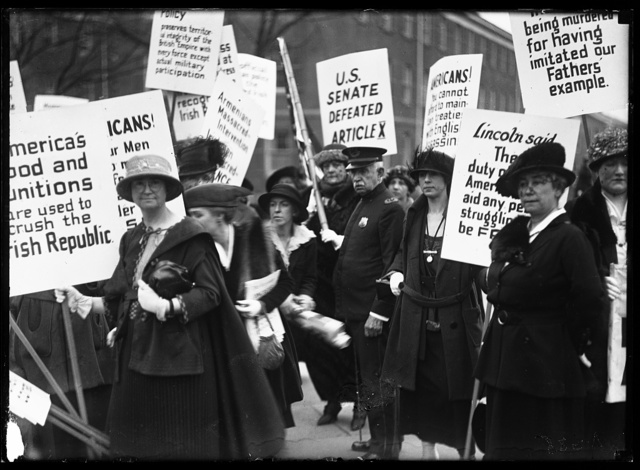 [Picketers: America's Food and Munitions are used to crush the Irish Republic, etc.]
